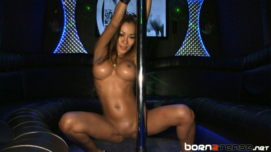 Bryci oiled up